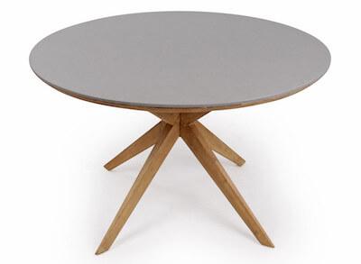 Ærø rundt havebord i træ med superstone bordplade