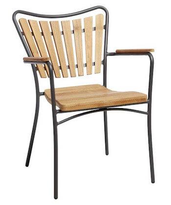 Rørvig stabelstol med god rygstøtte og lameller i træ