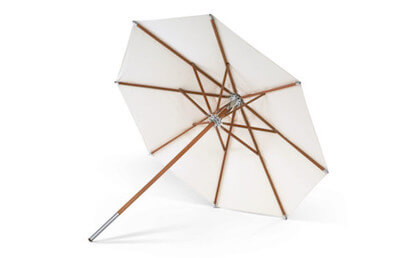 Skagerak Atlantis parasol i lys meranti polyester i str. 330 x 330 cm